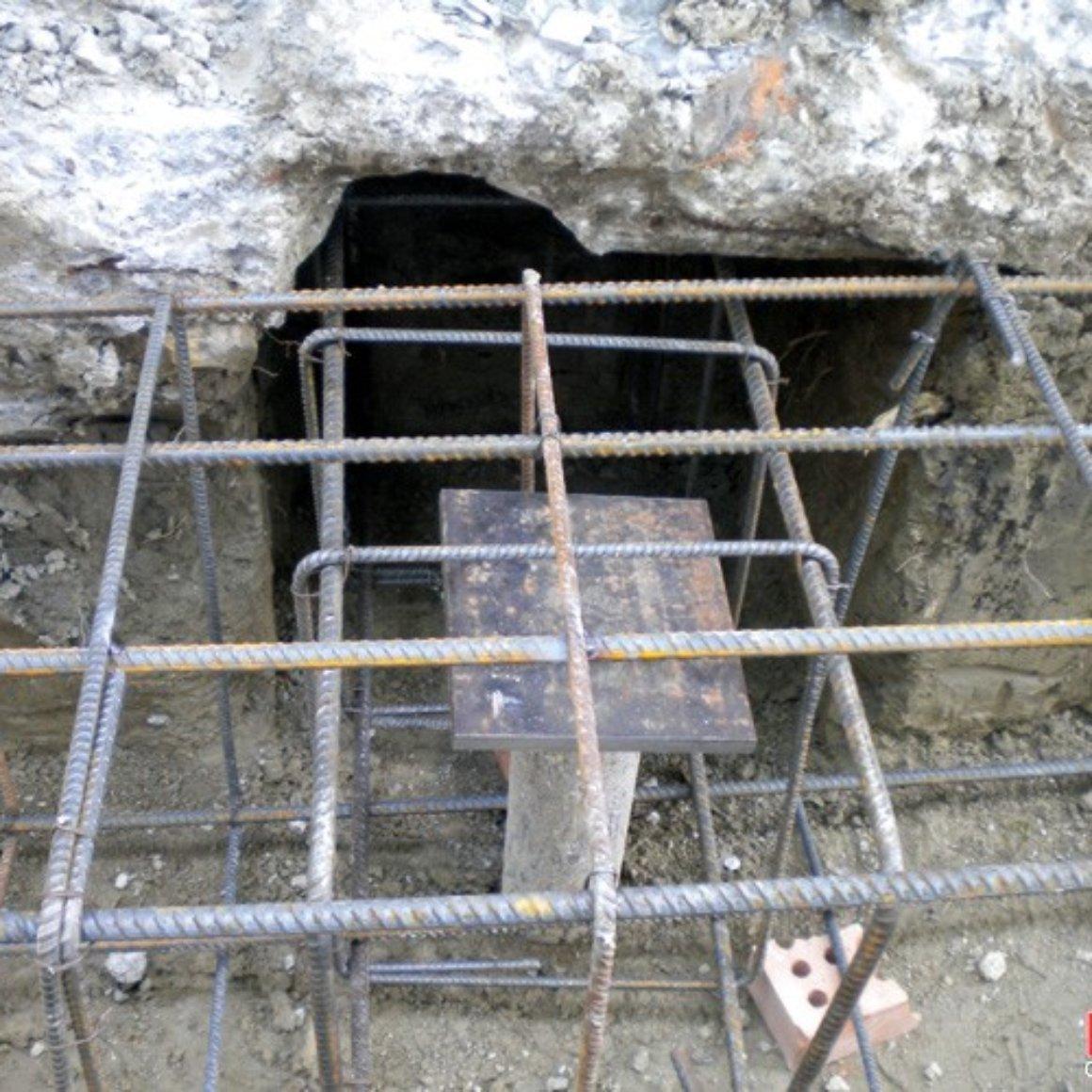 Cordolo di fondazione in cemento armato sulla testa dei pali Mingo Costruzioni Consolidamento con Micropali