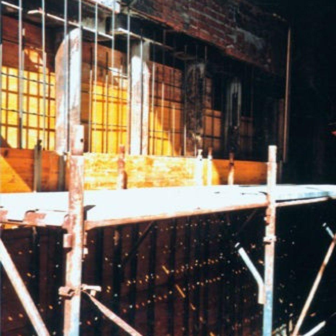 Posa ferro di armatura con carpenteria in doppio legno Mingo Costruzioni Creazione Vani Interrati