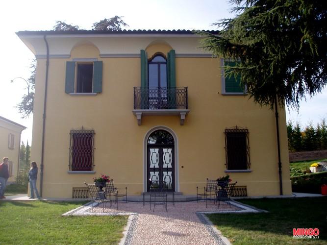 Facciata della Villa ristrutturata Mingo Costruzioni Imola